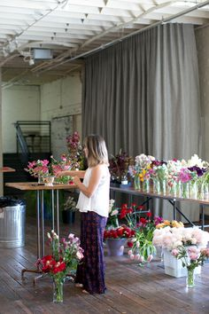 Have you ever wanted to learn how to create more depth and movement in your design? Click on the link to learn about an opportunity where you can learn how to create floral arrangements, that have movement, depth, and layering!