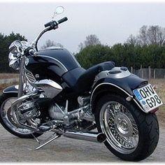 so freaking sleek, I got it on Chromeheads.org, username Dlove. #sleek #BMW #Motorrad #r1200c #cruiser #2cylinder #boxer #engine #chromehead #007 #Beemer #NOTBimmer ;} #BayerischeMotorenWerke