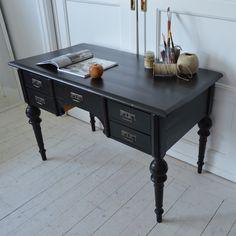 Underbart 1800-tals skrivbord