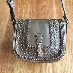 I just discovered this while shopping on Poshmark: Brown woven crossbody bag. Check it out! Price: $39 Size: OS, listed by annelibug