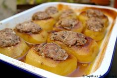 Pommes de terre farcies Enamel Dishes, European Cuisine, Good Food, Yummy Food, Middle Eastern Recipes, Entrees, Side Dishes, Food And Drink, Pork
