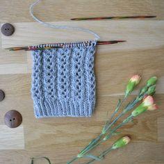 Pitsijoustin - 52 sukanvartta - Neulovilla Knitting Socks, One Color, Handicraft, Mittens, Needlework, Knitting Patterns, Knit Crochet, Diy And Crafts, Weaving