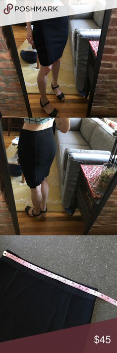 EUC. THEORY body con black knit pencil skirt No signs of wear. Very versatile. Can be worn high waisted or low. Can be dressed up or down - a wardrobe staple! Theory Skirts Pencil