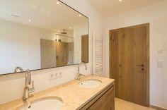Edle badezimmer ~ Luxus badezimmer neubarock stil rosa kommode gardinen goldener