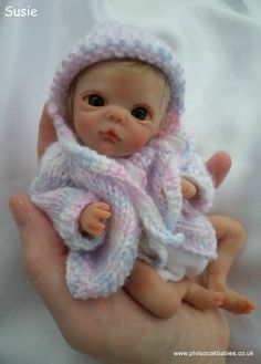 OOAK handsculpted polymer clay** beautiful baby girl Susie** by Phil Donnelly Reborn Baby Boy Dolls, Newborn Baby Dolls, Reborn Babies, Tiny Dolls, Cute Dolls, Beautiful Baby Girl, Beautiful Dolls, Baby Barbie, Barbie Dolls