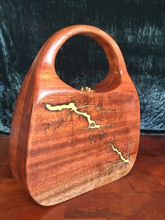 Wooden Handle Bag, Wooden Purse, Wooden Handles, Unique Handbags, Wood Resin, Recycled Pallets, Purse Styles, Leather Projects, Wooden Jewelry