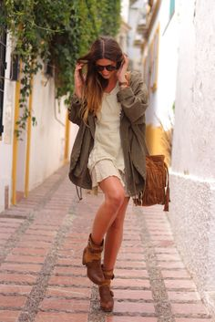 winter_lennon-street_style-trendy_taste-summer_dress-vestido_verano-green_parka-parka_verde-primavera_verano_2013-spring_summer_13-boho_dress-bolso_flecos-camel_leather_bag-ethnic_bag-mochila_hippie-zara_booties-botines_camperos-cercle_jewels-11