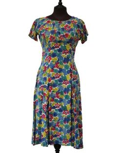 Outlined Floral Print 40s Dress