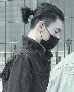 Korean Men Hairstyle, Man Bun Hairstyles, Tomboy Hairstyles, Boys Long Hairstyles, Haircuts For Men, Shot Hair Styles, Curly Hair Styles, Medium Beard Styles, Man Bun Haircut