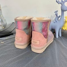 - Made to Order - Customized by Kaay Keeationz - US Men's Size Fall Shoes, Winter Shoes, Ugg Shoes, Shoe Boots, Lv Boots, Custom Uggs, Custom Shoes, Fluffy Shoes, Louis Vuitton Boots