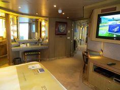 Pinnacle Suite Eurodam Bedroom pic 2