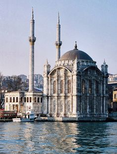 ORTAKOY MOSQUE: was built by (Armenian Architect) Nigogos Balyan, in Baroque-style for Sultan Abdulmecit, between in Istanbul. Nigogos new style was tried in This mosque and Dolmabahce Mosque. Religious Architecture, Historical Architecture, Art And Architecture, Mosque Architecture, Beautiful Mosques, Beautiful Places, Beautiful Pictures, Places Around The World, Around The Worlds