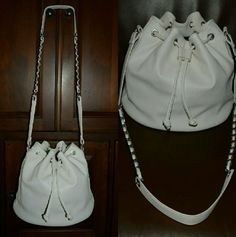 Forever 21Shoulder bag New and never been use.Such a cutie bag.. Forever 21 Bags Shoulder Bags