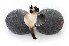 Cat Beds – Cat bed, cave House COLOR- Dark Gray Size-Large – a unique product by kivikis-cat-bed-cave-house on DaWanda