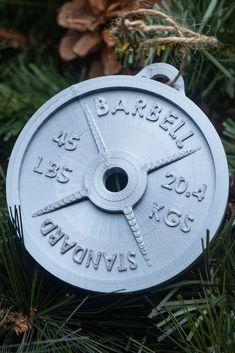 Deck the halls with our Printed weight plate ornament. Perfect for Christmas trees or to add a little sparkle to your cubicle. Crossfit Gifts, Crossfit Wods, Gifts For Personal Trainer, Architecture Life, Gym Decor, Fitness Gifts, Gift Exchange, Deck The Halls, Christmas Ornaments