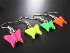 Boucles d'oreilles papillons fluorescents de la boutique TheAsaliahShop sur Etsy