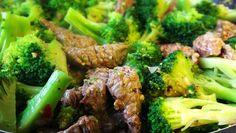Die Asiatische Rindfleisch-Brokkoli-Pfanne mit Sesam: ✓schnell und ✓einfach zubereitet ➤ Ein tolles Paleo Rezept aus der chinesischen Küche.