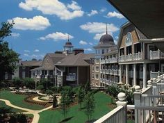 Greensboro (GA) The Ritz-Carlton Reynolds, Lake Oconee United States, North America Located in Greensboro, The Ritz-Carlton Reynolds, Lake Oconee is a perfect starting point from which to explore Greensboro (GA). Featuring a complete list of amenities, guests will find their stay at the property a comfortable one. All the necessary facilities, including 24-hour front desk, facilities for disabled guests, luggage storage, valet parking, car park, are at hand. Comfortable guestr...