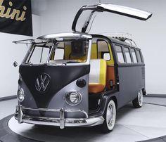 Kombi's DeLorean makeover takes Volkswagen back to the future Volkswagen Transporter, Volkswagen Bus, Vw Camper Bus, Campers, Ford Gt, Wolkswagen Van, Combi T1, Combi Split, Doc Brown