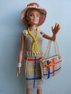 vêtement poupée mannequin Barbie (354)