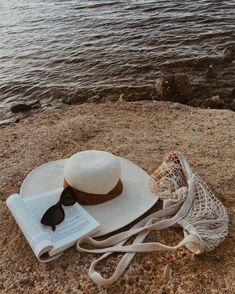 Take a book and a Hat and Relax on the beach. Nothing better for the soul. High fashion super cute beach umbrella by beachBRELLA® 100 UV, Fade and Water Resistant. Beach Aesthetic, Summer Aesthetic, Aesthetic Photo, Photo Summer, Summer Photos, Summer Feeling, Summer Vibes, Skyline Von New York, Make It Easy