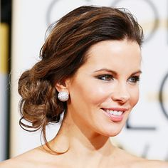Kate Beckinsale certainly brought on the glamour at last night's Golden Globe Awards, and we loved how her undone chignon gave her ornate Zuhair Murad gown an effortless vibe. Find out how to get the look, straight from her hairstylist!