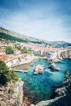 Dubrovnik, Croatie. https://www.maritima-sailing.fr/mediterranee/location-voilier-catamaran-croatie-dubrovnik#informations