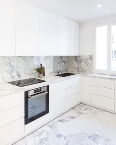 surprising small kitchen design ideas and decor 7 ~ Modern House Design Kitchen Room Design, Kitchen Cabinet Design, Modern Kitchen Design, Home Decor Kitchen, Interior Design Kitchen, Kitchen Designs, Kitchen Ideas, Diy Kitchen, Modern Kitchen Interiors