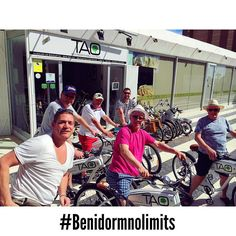 These guys of #kent #uk are enjoying an amazing afternoon in #benidorm with our #taobike #benidormnolimits #ecotourism #responsibletourism #cyclehire #alquilerbicis #cyclebenidorm