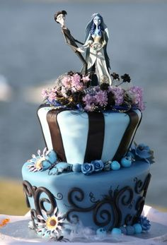 Photo of Corpse Bride Wedding Cake for fans of Wedding Cakes 32370319 Bolo Halloween, Postres Halloween, Halloween Cakes, Halloween Wedding Cakes, Halloween Party, Pretty Cakes, Cute Cakes, Beautiful Cakes, Amazing Cakes