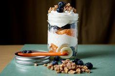 Healthy Lunchbox Snacks- Fresh fruit and yogurt parfait