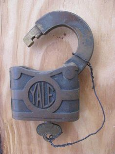 "Antique Vintage 3"" Yale & Towne Padlock Y & T company with Key Works Great"