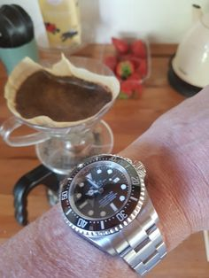 Making coffee in the summerhouse. Together with my big bad rolex. Aka deep sea dweller. This one needs more wrist time. The new dweller have taking all the lights :-).  Really enjoyed the time. Coffee and Rolex  #dagenswristshots #3210 #summer2017 #enjoylife #dayoff #dayoffwork #deepdiving #deepsea #dweller #redwriting #toolwatch #watchesofinstagram #wristy #class