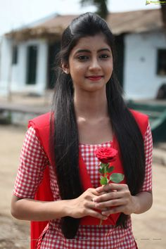 Summiyya Mohammed Prema Janta Stills - HD Gallery Image 69 Beautiful Girl In India, Beautiful Girl Photo, Cute Girl Photo, Beautiful Models, Beautiful Dresses, Beauty Full Girl, Cute Beauty, Beauty Women, Beautiful Bollywood Actress