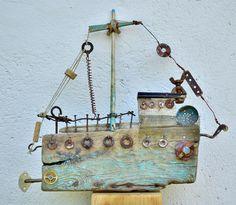Driftwood Projects, Driftwood Art, Craft Presents, Boat Art, Creta, Wooden Ship, Outdoor Sculpture, Assemblages, Wood Creations