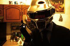 Daft Punk Thomas Helmet complete outfit par MazPowerProps sur Etsy, $500,00