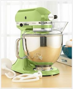 Kitchen Aid Stand Mixer in Green Apple | saw a pin of a mint colored one, but found out they come in green...even better :)