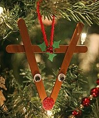 cute reindeer ornament, http://www.crafts-for-all-seasons.com/reindeer-ornament.html