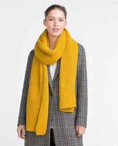 изображение 1 из ТРИКОТАЖНЫЙ ШАРФ от Zara