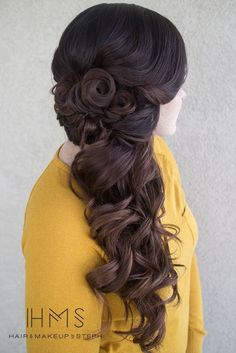 Omg this is very similar to my wedding hair!