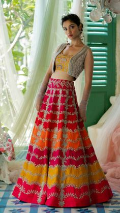 Indian Wedding Gowns, Party Wear Indian Dresses, Designer Party Wear Dresses, Indian Gowns Dresses, Dress Indian Style, Indian Fashion Dresses, Indian Designer Outfits, Fashion Outfits, Wedding Dresses