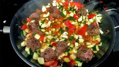 Zucchini and Ground Beef (paleo) Makes dinner for two, with leftovers for lunch. Primal Recipes, Meat Recipes, Healthy Recipes, Paleo Meals, Paleo Ground Beef, Ground Meat, Ground Turkey, Paleo Plan, Clean Eating