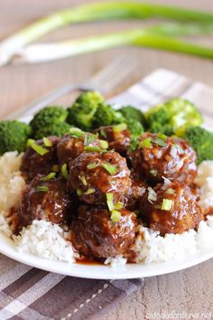 Easy Teriyaki Meatballs Ever since I tried Sweet and Sour Meatballs , I have been obsessed with meatballs. This has now become my new go-to base recipe for me… Meatballs And Rice, Teriyaki Meatballs, Sweet And Sour Meatballs, Teriyaki Sauce, Dinner With Meatballs, Soy Sauce, Recipes With Meatballs, Meatball Dinner Ideas, Asian Turkey Meatballs