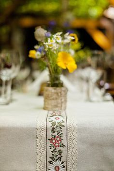 Another folk-inspired wedding ; Church Wedding Decorations, Holiday Decorations, Wedding Activities, Industrial Wedding, Diy Wedding, Floral Arrangements, Floral Design, Wedding Inspiration, Lost