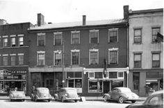 Davenport Tavern on Main Street - 1940 - Danville, KY