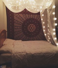 Home decorating ideas boho chic tapestries dream bedroom, dream rooms, home b Bohemian Bedrooms, Boho Room, Hippy Room, Bohemian Bedding, Bohemian Curtains, Dream Rooms, Dream Bedroom, Girls Bedroom, Trendy Bedroom