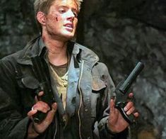 Image discovered by Hannah. Find images and videos about supernatural, Jensen Ackles and dean winchester on We Heart It - the app to get lost in what you love. Sam Dean, Jeffrey Dean Morgan, Sam E Dean Winchester, Winchester Brothers, Jared Padalecki, Winchester Supernatural, Supernatural Fandom, Smallville, Johny Depp