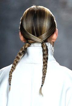 Les coiffures de la Fashion Week automne-hiver à adopter pour un mariage   Vogue