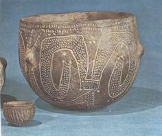 Utensilios del mundo Prehistórico. Antique Pottery, Ceramic Pottery, Pottery Art, Ceramic Fiber, Ancient Vikings, Ceramic Decor, Ancient Artifacts, Bronze Age, Antiquities