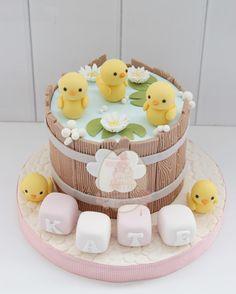 from - Que fofura 💙🐤 Por Baby Girl Birthday Theme, Baby Birthday Cakes, Torta Baby Shower, Big Cakes, Cute Cakes, Fondant Cakes, Cupcake Cakes, Rubber Ducky Birthday, Duck Cake